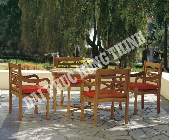 /photos/1/table/queen_victoria/Queen-Victoria-Lifestyle.jpg
